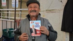 Özakcan'a pazarda sevgi seli