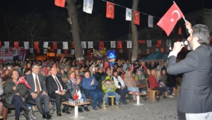 Efeler Belediyesi Umurlu'da bahar konseri düzenledi.