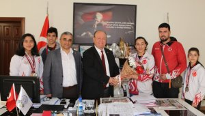 Milli sporculardan Başkan Özakan'a ziyaret