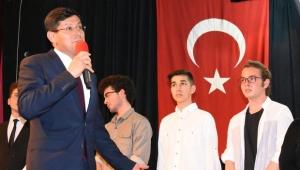 Başkan Özcan, öğrencileri yalnız bırakmadı