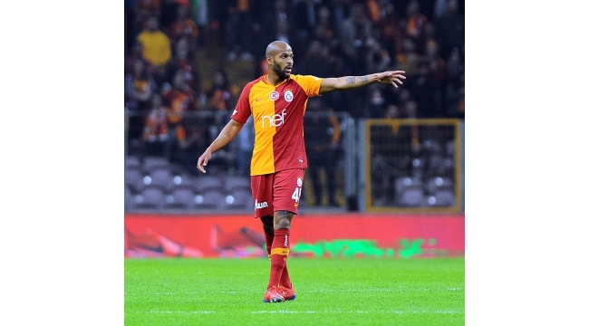 Galatasaray'da iki isim derbiyi kaçıracak
