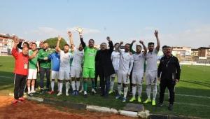 Nazilli Belediyespor adım adım şampiyonluğa koşuyor