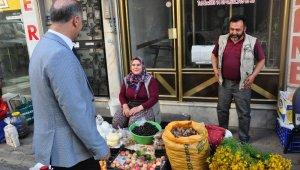 Başkan Kaya, Fevzipaşa Caddesine taşınan köylü pazarını gezdi
