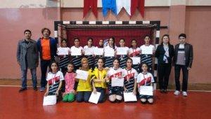 Hentbol Aydın il şampiyonu Akçakonak, bölgede 2. oldu