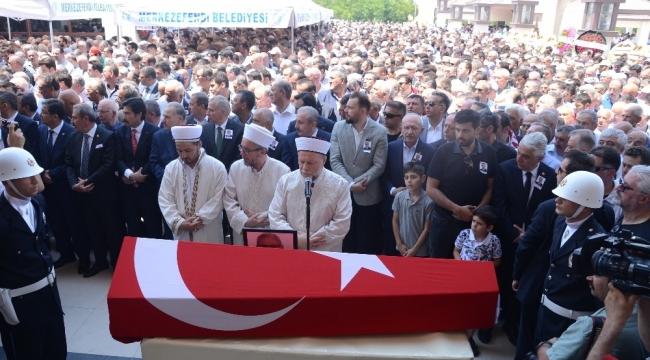 AK Parti Aydın Milletvekilleri Yavuz ve Posacı CHP Milletvekili Kazım Arslan'ın cenazesine katıldı