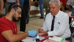 Efeler Belediyesinden Kızılay'a destek