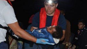 Kuşadası Körfezi'nde çocuk göçmenler son anda yakalandı