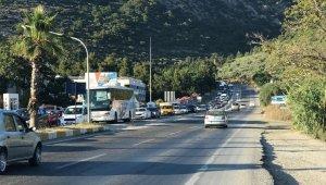 Kuşadası'na tatilin ilk 7 gününde 310 bin araç giriş yaptı