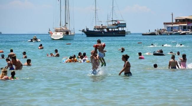 Aydın sahilleri doldu taştı