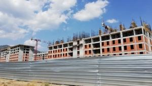 Aynı inşaatta bir haftada 3 işçi düştü biri öldü