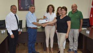 Didim'de dil kursuna katılanlar belgelerini aldı