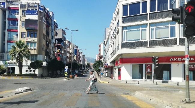 Aydın'da sokaklar boş kaldı