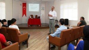 Efeler Belediyesi stajyerlerine iş sağlığı eğitimi