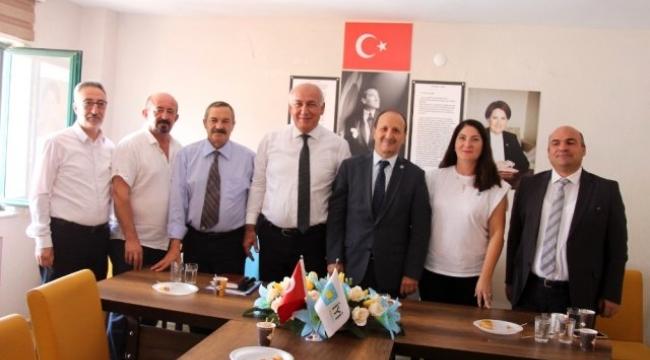 Söke'de CHP Listesinden Meclis Üyesi seçilen İYİ Parti Meclis Üyeleri istifa etti