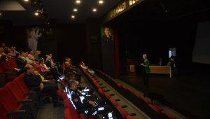 Kuşadası Belediyesi personeline etik eğitimi