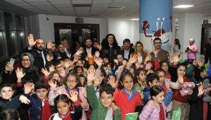 Ünlü Sanatçı Murat Kekilli Aydın'da onkoloji hastası çocuklarla buluştu