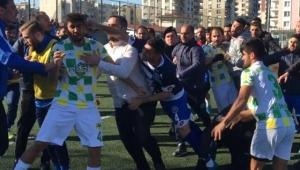 Aydın'da amatör maçta tekme ve yumruklar konuştu