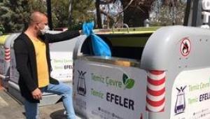 Efeler'de 7 gün 24 saat kesintisiz temizlik hizmeti sürüyor.