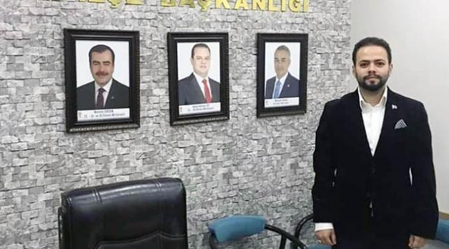 AK Parti Efeler İlçe Başkanı Çağatay Gülaştı, görevinden istifa ettiğini açıkladı.