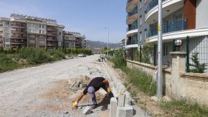 Efeler Belediyesi el değmemiş bozuk yol bırakmayacak