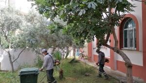 Efeler'de camiler Cuma namazına hazır
