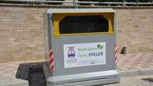 Efeler Belediyesi, ilçe genelindeki eskiyen çöp konteynerlerini yeniledi