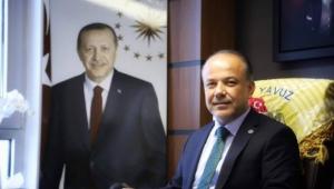 Metin Yavuz'dan CHP Kongresindeki renk ve söylemlere sert tepki