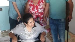 Doğuştan engelli Melike tekerlekli sandalyesine kavuştu