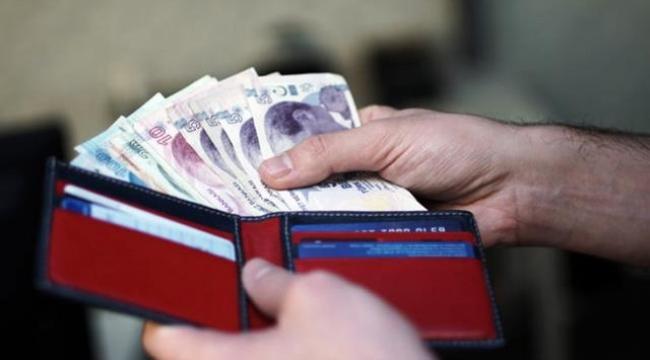 Memur ve emekliler temmuzda yüzde 7.67 zam alacak