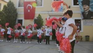 Kuşadası'nda İlköğretim Haftası kutlandı