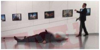 Rus büyük elçinin vurulma anı